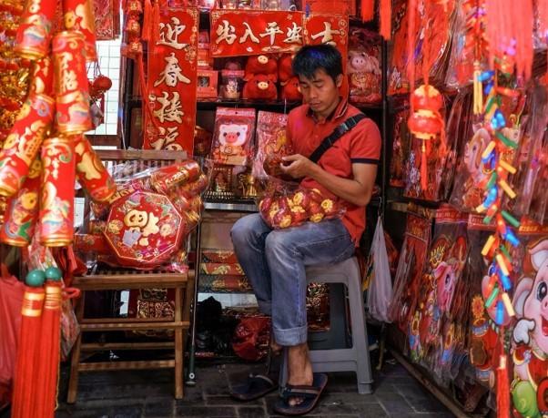 Chińczyk w sklepie